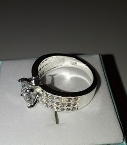 Jewelry - 925 Silver white sapphire gemstone ring size 6